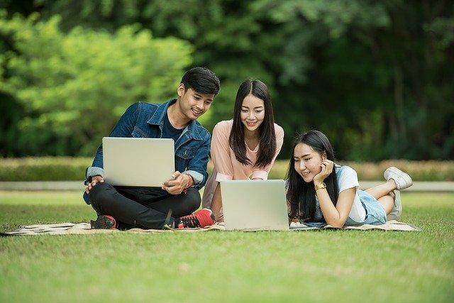 students_pesquisa